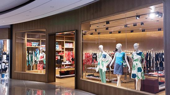 Las tiendas de moda abren sus puertas con el Control de Aforo como mejor aliado.