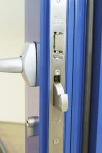 Puerta de seguridad antibala con aislamiento